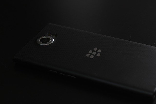 blackberry-priv-2690106_640